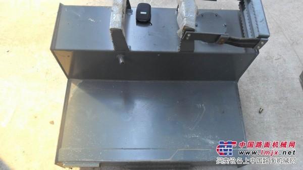 供应小型装载机配件
