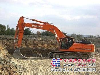 维修斗山DH220液压挖掘机全车动作慢无力