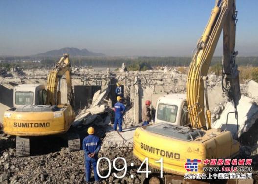 北京出租大中小型挖掘机,轮式挖掘机都带炮锤 拆除