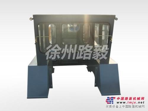 徐州铁三轮压路机配件,批发压路机驾驶室