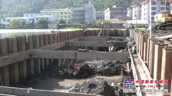 护坡支护施工方案