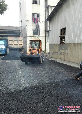 上海压路机出租黄渡镇混凝土搅拌站承接路面沥青摊铺道路沥青改造