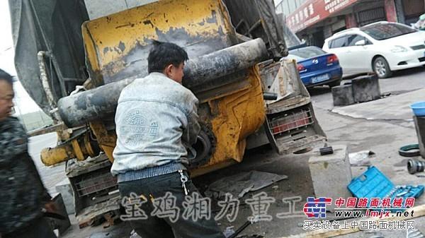 维修各种混凝土工程机械.泵车.车载泵.拖泵.搅拌运输车等