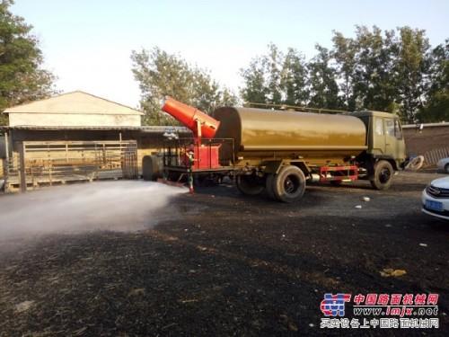 带雾炮除尘洒水车价格二手加油车吸粪车一辆多少钱?
