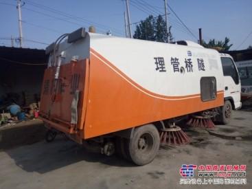 供应江铃二手工程除尘洒水车价格 小型加油车扫地车