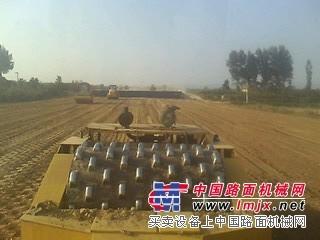 出租120推土机,20吨拖式羊角碾压路机