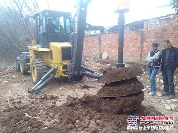 供应挖掘机配带螺旋钻机,挖掘机螺旋钻机价格,