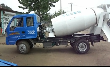 小型混凝土攪拌運輸車