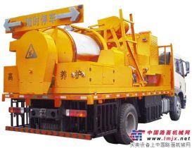亿龙机械再添虎将—LLY500多功能沥青路面养护车成功下线