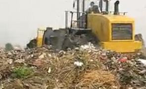 山工新品垃圾压实机现场作业