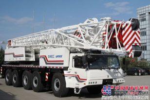 我国首台5轴160吨全地面起重机面世