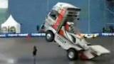 惊动全世界-大型拖头的惊人车技