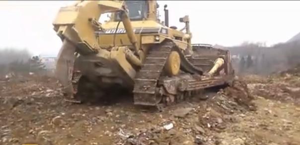 卡特D11R 卡特彼勒推土机视频