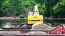 利勃海尔R954长臂挖掘机船上施工视频