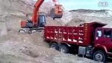 兰考县挖掘机挖土装车视频