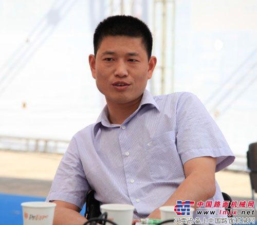 中联路机营销公司总经理 李庆