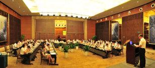 山推2012国内代理商半年会在重庆召开