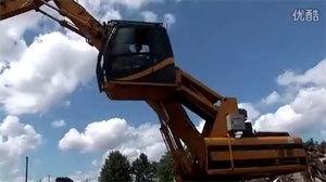 杰西博挖掘机等机械设备爆拆现场