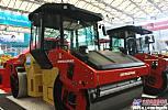 戴纳派克在上海Bauma 展出CC双钢轮大型沥青压路机