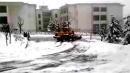 山工装载机雪地漂移