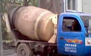 小型混凝土搅拌运输车