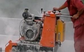 新款全液压行走铣刨机工作视频
