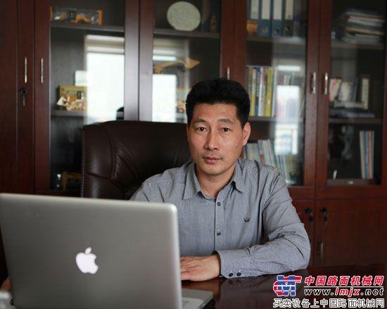 访新疆金力辰机电设备有限公司总经理谢华礼
