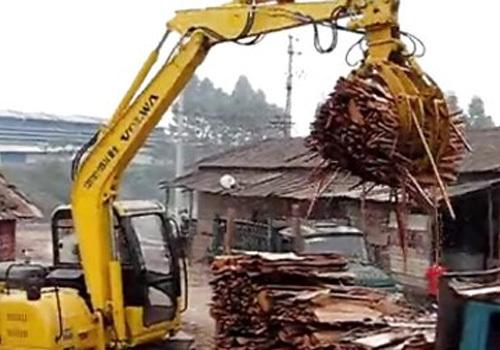 沃尔华轮式蔗木装卸机作业视频
