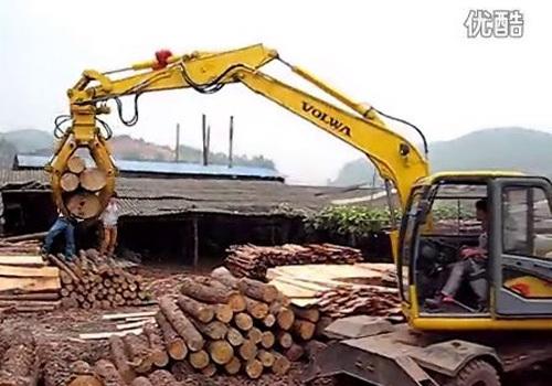 沃尔华轮式蔗木装卸机(广西圆木)作业视频
