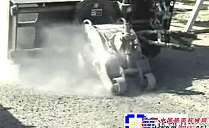 GEHL滑移带冷铣刨机附具施工表演