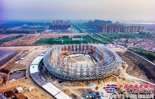 徐工吊车助力徐州奥体中心