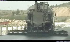 奥邦10T智能沥青洒布车现场施工视频