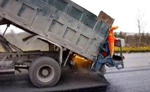 奥邦石屑撒布器现场施工视频