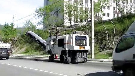 宏大HD10M型铣刨机俄罗斯施工现场