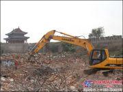 龙工挖掘机助力河南商丘古城棚户区改造工作