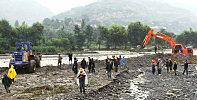武山四门镇遇险不慌张 疏浚河道挖机忙