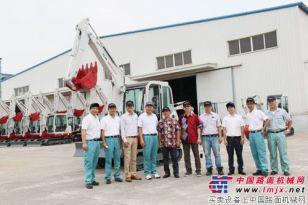 印尼代理商参观调研竹内青岛公司