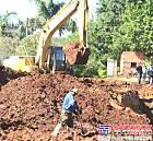 挖掘机挖出百年前10吨黄金 价值26亿元