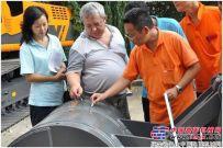 乌兹别克斯坦国家租赁公司负责人赴詹阳动力检验84台采购产品