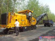 徐工XM200E大型铣刨机助力河南省道改建