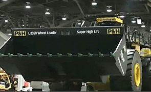 史上最大铲车推土机视频 高清