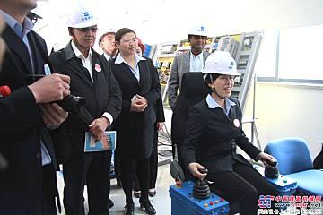 中联建起总经理黄群操作模拟器
