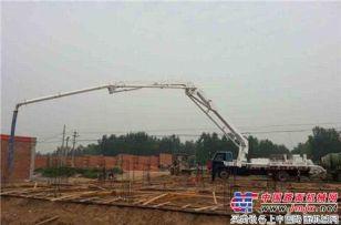英特机械小型臂架泵为新农村城镇化建设而生