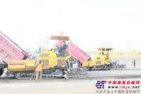 三一两台WTU95沥青摊铺机助力郑登高速公路建设