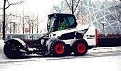 快速除雪 山猫装载机助力奥林匹克中心区