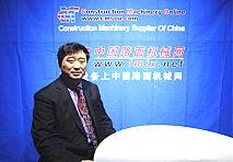 苏子孟秘书长莅临美国拉展中国路面机械网展台