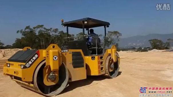 徐工XD121E壓路機廈門土方壓實施工現場