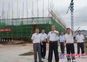 国机重工集团公司董事长吴培国到长起调研