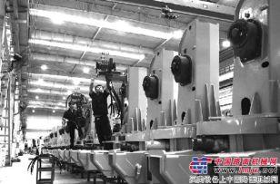 石煤机加紧组装起重机产品 力争月产量实现突破