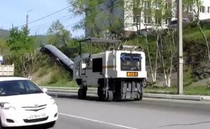 西安宏大HD10M铣刨机在俄罗斯
